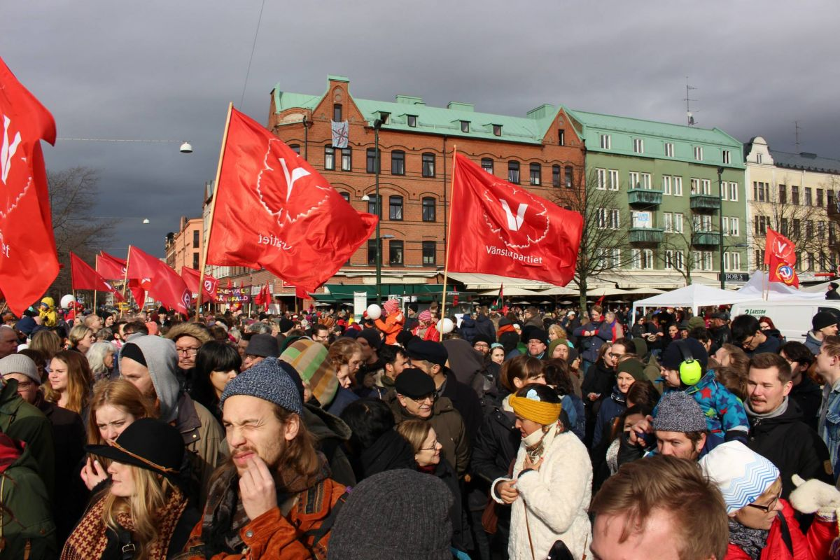 Antifascistisk demonstration på Möllevången i Malmö den 16 mars 2014.