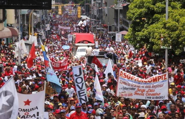Venezuelan commune movements march in support of the upcoming Constituent Assembly (photo by AVN)